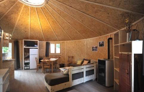 yourte en bois. Black Bedroom Furniture Sets. Home Design Ideas